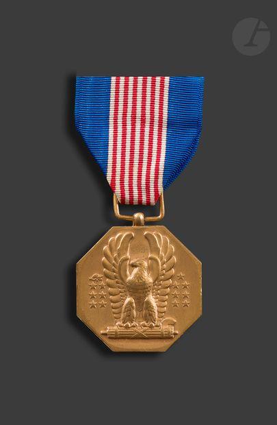 U.S.A. Quatre médailles : - Air medal. En...