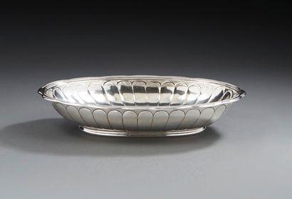 LILLE 1723 - 1725 Petit bassin en argent...