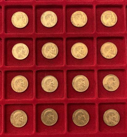 16 pièces de 20 Francs en or. Type Napoléon...