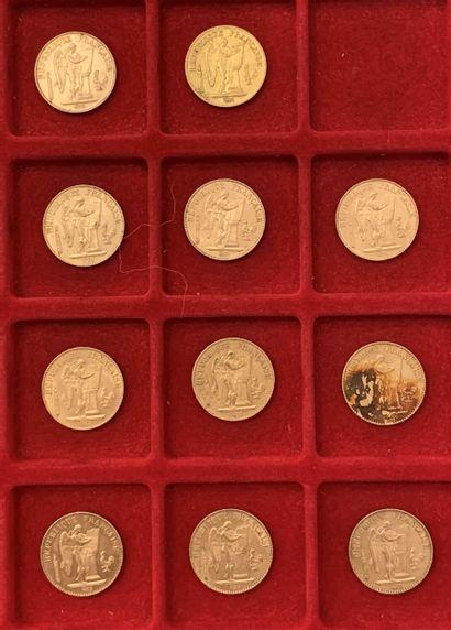 11 pièces de 20 Francs en or. Type Génie....