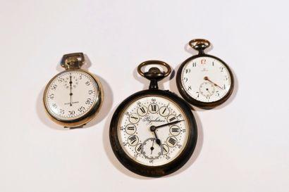 Lot composé de 3 montres de poche, un régulateur...
