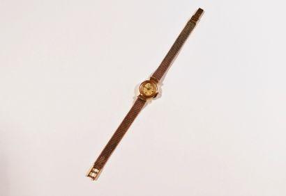 CARTIER  Montre bracelet pour femme en or 18K (750), cadran blanc, index chiffres...