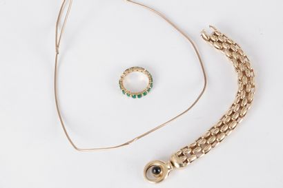 Lot de 3 bijoux comprenant : un bracelet...