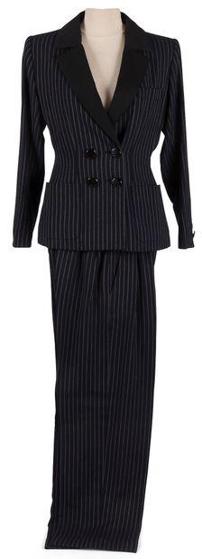 Yves Saint Laurent Rive Gauche  1 tailleur pantalon marron uni, 1 tailleur pantalon...