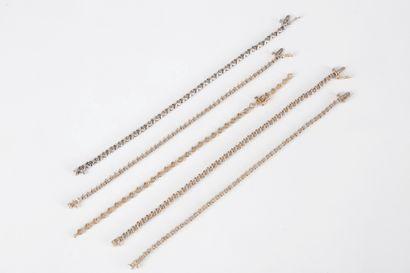 Lot de 5 bracelets en or jaune et gris 9K...
