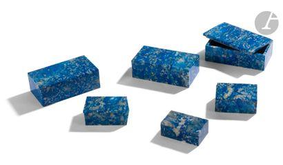 Ensemble de 6 petits coffrets en lapis-lazuli....