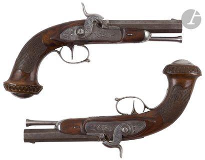 Paire de pistolets à percussion d'officier....