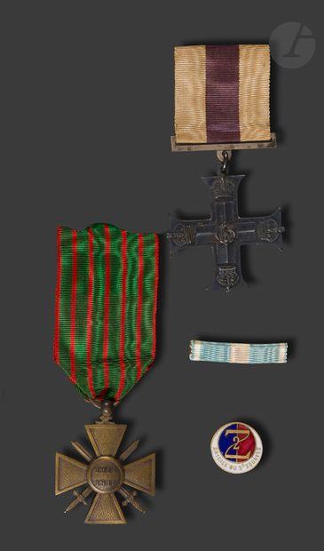 GRANDE BRETAGNE et DIVERS Military Cross...