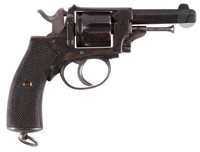 Revolver Municipal, six coups, calibre 8...
