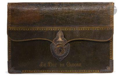 SOUVENIR DE CHAMPAGNY, DUC DE CADORE Grand portefeuille en maroquin vert, à soufflets,...