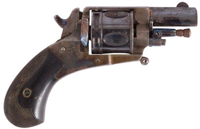 Revolver Bull Dog, cinq coups, calibre 320....