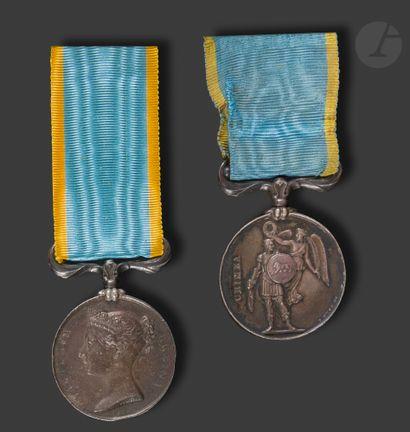 GRANDE-BRETAGNE MÉDAILLE DE CRIMÉE Deux médailles...