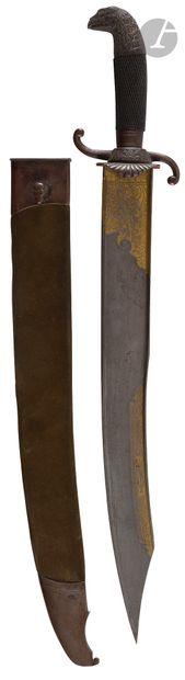 Beau couteau de chasse. Poignée en bois noirci...