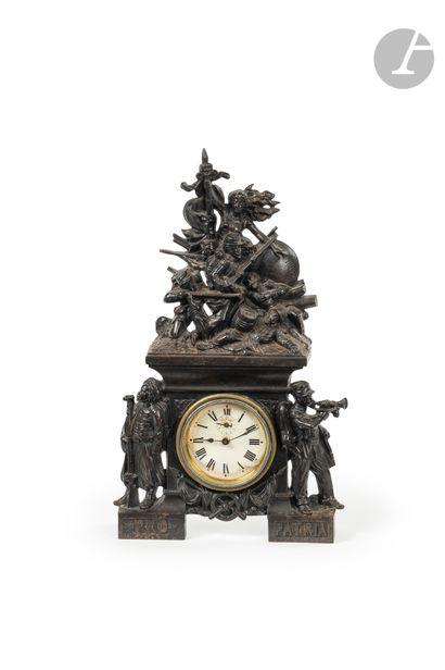 «PRO PATRIA. 1870» Pendule en fonte de...