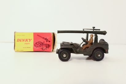 DINKY TOYS  Jeep avec canon de 106 S.R.,...
