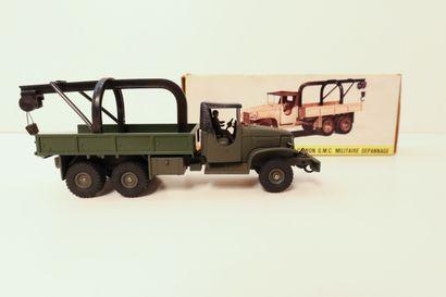 DINKY FRANCE  Camion G.M.C. de dépannage,...