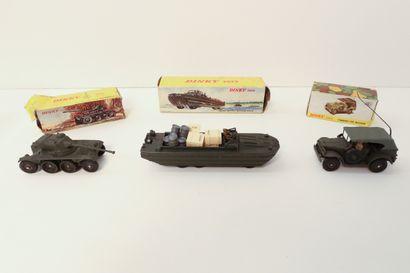 DINKY TOYS  Ensemble de 3 véhicules militaires...