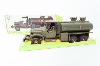 DINKY TOYS  Camion GMC militaire, citerne...