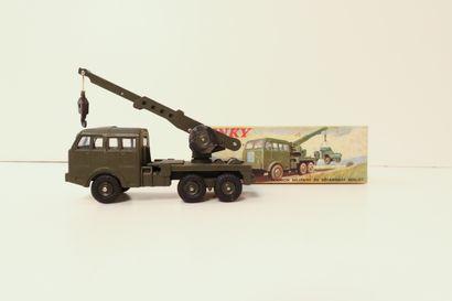 DINKY TOYS  Berliet camion militaire de dépannage,...