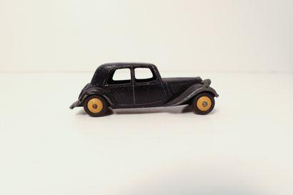DINKY TOYS  Citroën traction 11BL noire,...
