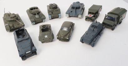 SOLIDO  Ensemble de 10 véhicules militaires...
