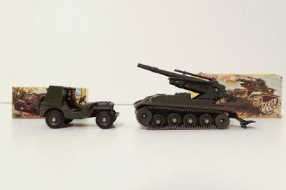 DINKY TOYS  Ensemble de 2 véhicules militaires...