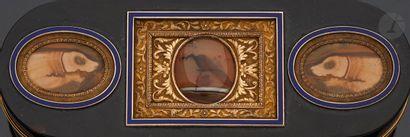 PARIS FIN DU XVIIIe SIÈCLE Boîte ovale à...