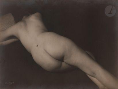 Willy Kessels (1898-1974) Nu féminin, c....