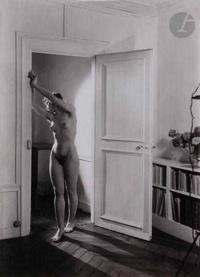 Emmanuel Sougez (1889-1972) Nu féminin, 1947....
