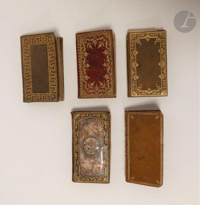 [ALMANACHS]. Ensemble de 5 almanachs : - Étrennes mignones, curieuses et utiles,...