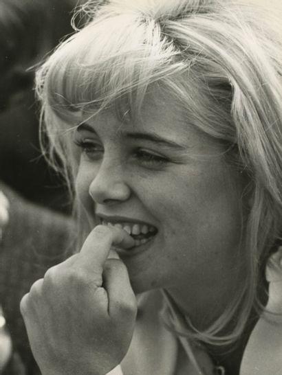 Photographe non identifié Sue Lyon dans le...
