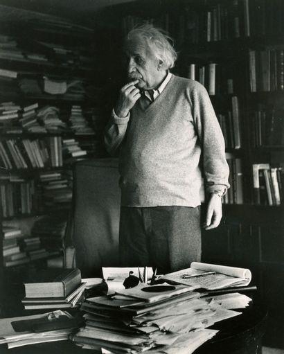 Ernst Haas (1921-1986) Albert Einstein dans...