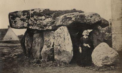 Photographe non identifié Dolmen de Crucuno...