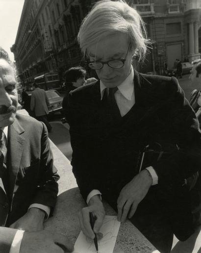 Mimmo Frassineti (1942) Andy Warhol dessinant....