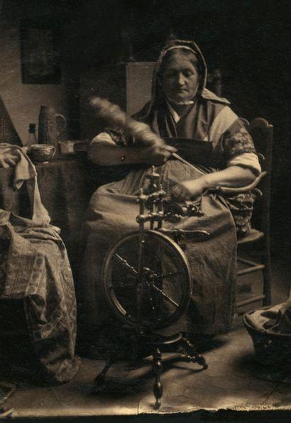 Photographe non identifié La Baudreuil, une vieille servante, c. 1865. Épreuve sur...