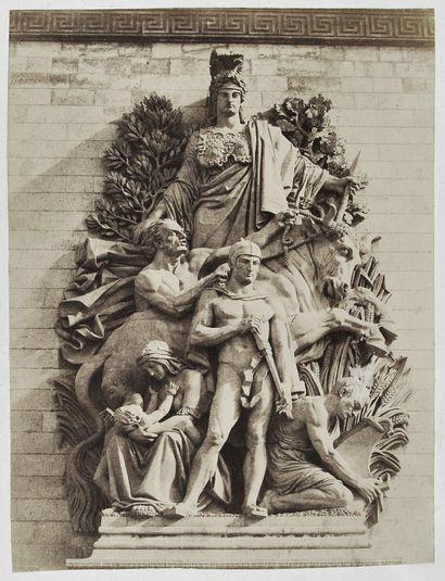 Photographe non identifié Hauts reliefs de...