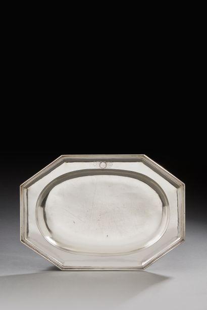 STRASBOURG 1693 - 1725 Plat en argent rectangulaire...
