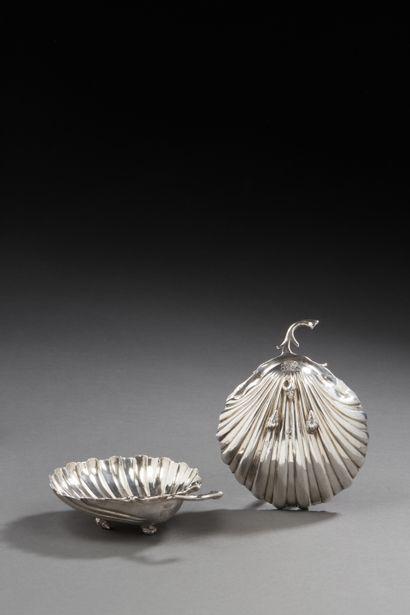 BORDEAUX 1775 - 1776 Paire de coquilles en...