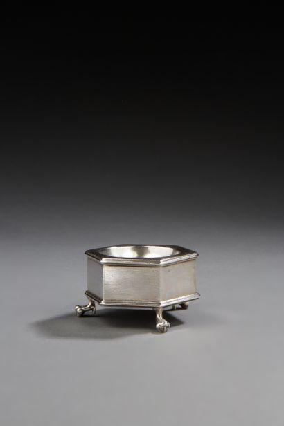 CLERMONT-FERRAND 1687 Salière en argent de...