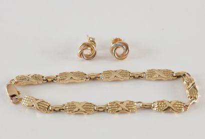Bracelet articulé et paire de Boucles d'oreille...