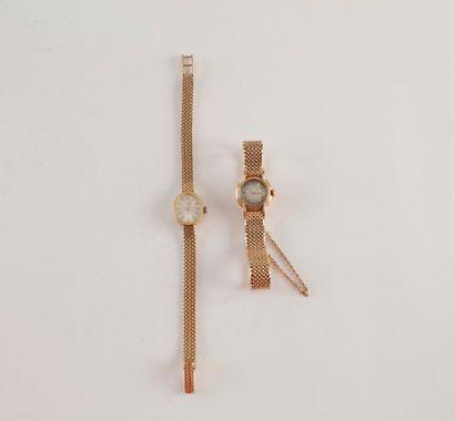 2 montres bracelet de dame en or (18K) Poids...