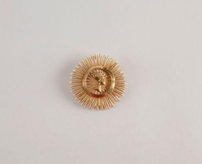 Broche en or (18K) jaune au profil de Nerfertiti...