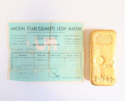 1 lingot en or (995) numéroté 290409. Certificat joint.