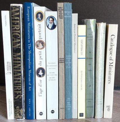 [MINIATURES] Ensemble de 12 ouvrages sur...