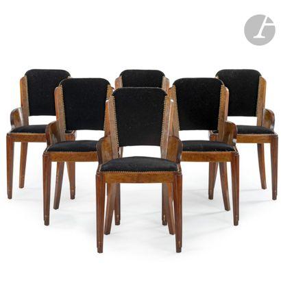 TRAVAIL DES ANNÉES 1930 Suite de 6 chaises...
