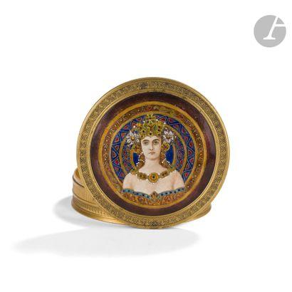 TRAVAIL EUROPÉEN VERS 1900 Basilissa (mère de) Theodor Boîte à dragées ronde. Épreuve...