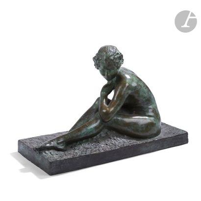 GABRIEL CHAUVIN (1895-1965) Nu assis Sculpture....