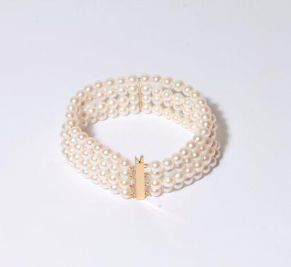 Bracelet de 4 rangs de perles de culture,...