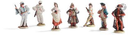 Ensemble de sept statuettes en porcelaine...