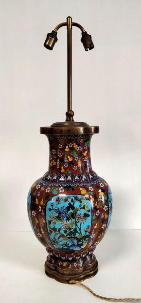 Vase en émail cloisonné, Chine, fin XIXe...